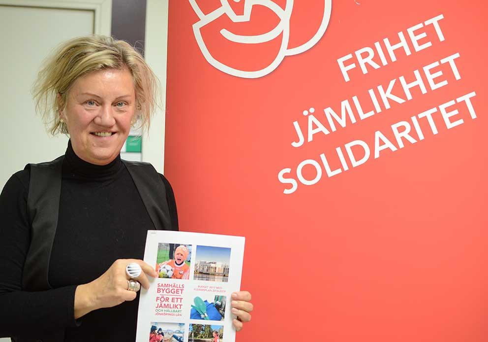 Carina Ödebrink från Vaggeryd presenterade skuggbudgeten