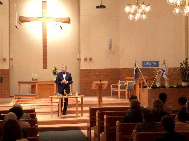Rabbin Peter Borenstein gästade Värnamo i går kväll.